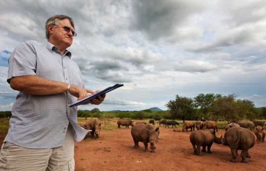 john-hume-rhino-farmer-south-africa-537x346